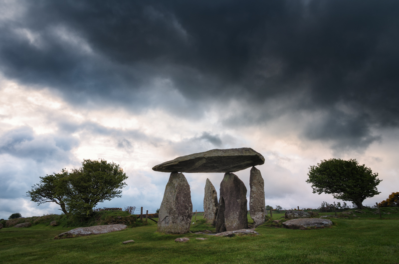 Pentre Ifan cromlech, Pembrokeshire, Wales, sunrise