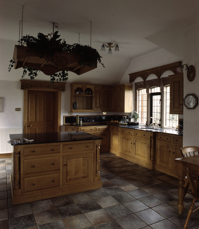 Bespoke And Handmade Kitchens: Traditional Country Kitchens, Handmade Kitchens, Bespoke Kitchens, Free Standing Kitchens, Wood