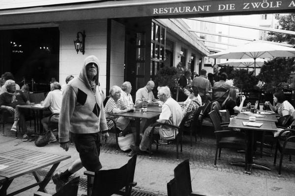 linda-wisdom-street-photography-Berlin-13