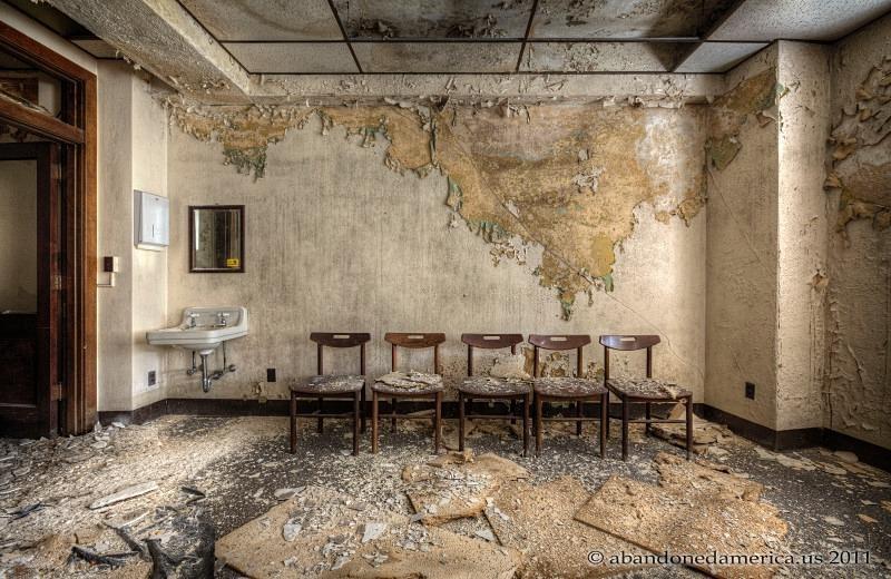 Abandoned Office Building | Nitram242 | Flickr