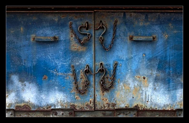 Chain and Hooks - Railroad