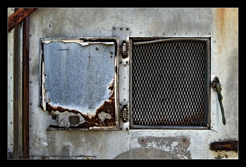Grated Door - Details