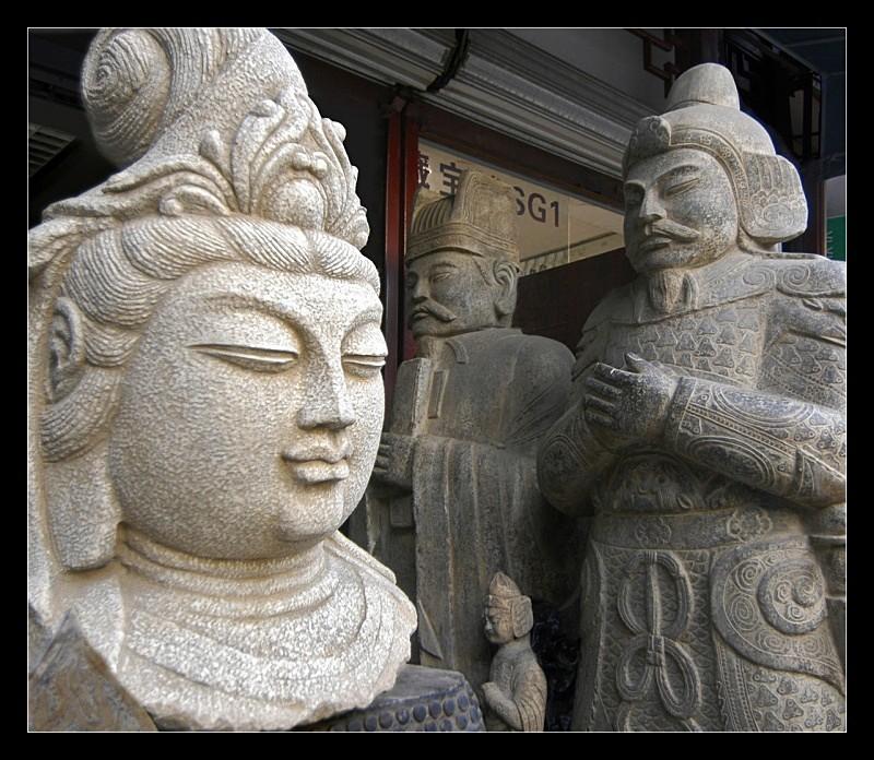Statues - Details