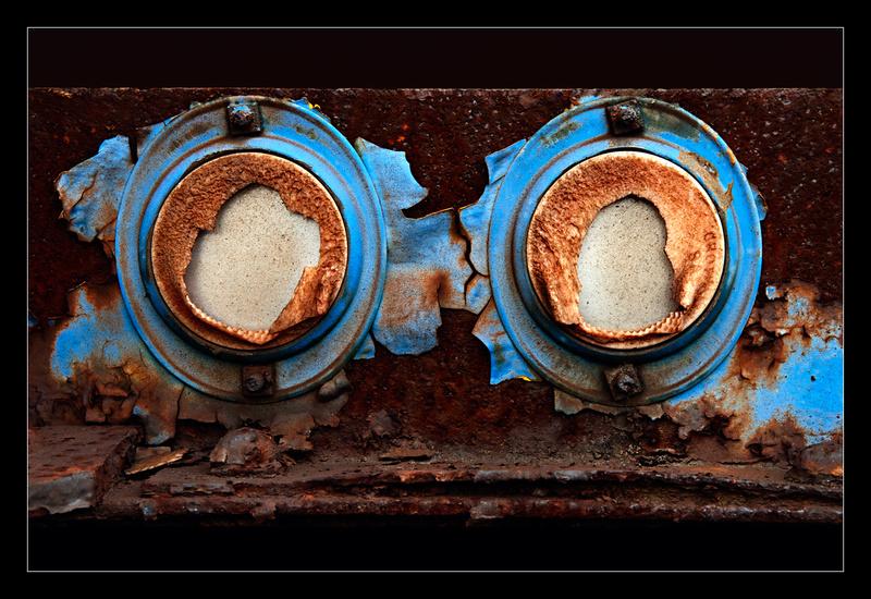 Blue Bezels - Details