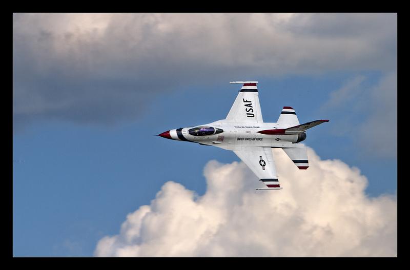 F-16 Falcon Aloft - Aircraft