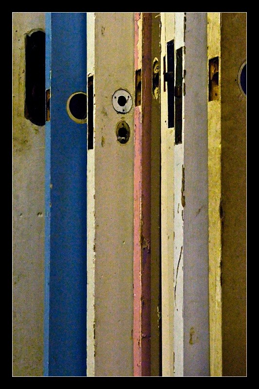 Staggered Doors - Details