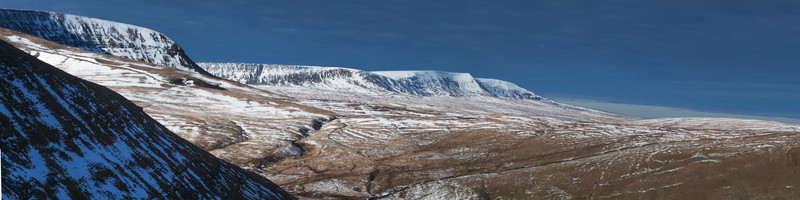 Snow On The Western Massive. - Panoramic Images