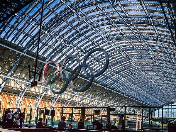 Olympic Rings at St. Pancras International - Railways