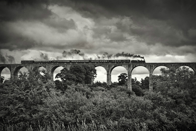 Across the 18 Arches - Black & White