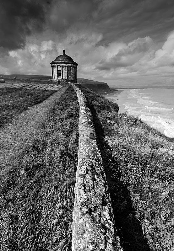 Cliff Hanger - Black & White