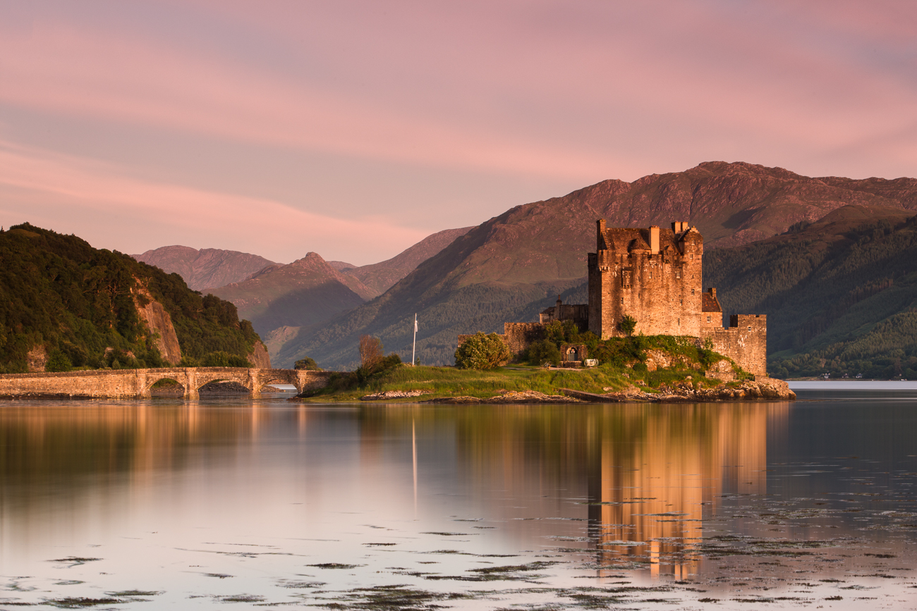 Eilean Donan Castle - Featured Images