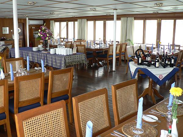 RV Mekong Pandaw dining room - Cambodia and Vietnam