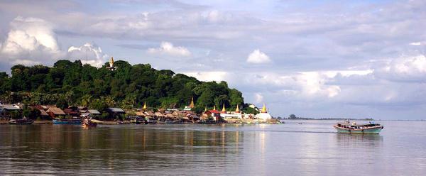 General Irrawaddy River scene - Burma