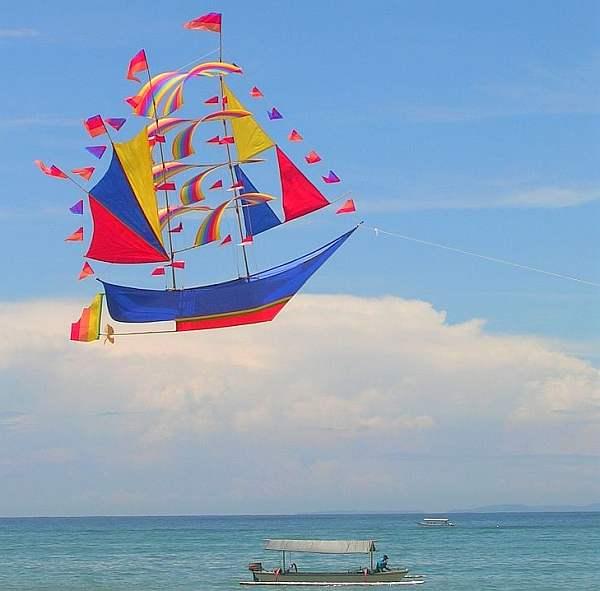 Bali 'airship' - Bali