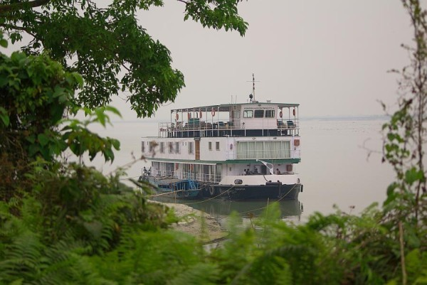 River cruiser - India (Assam, Brahmaputra cruise, Agra and Jaipur)