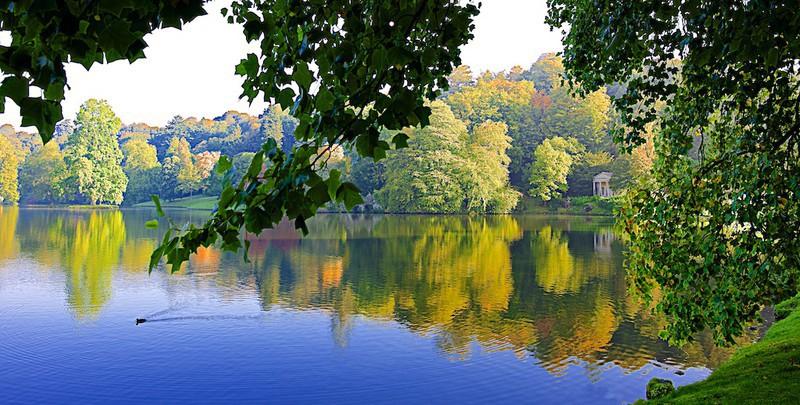 Autumn on the way, Stourhead EDC227 - England