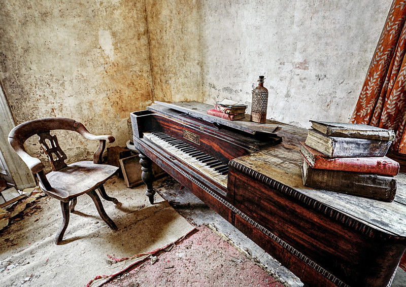 The Drawing Room - 'Abandoned Ireland'