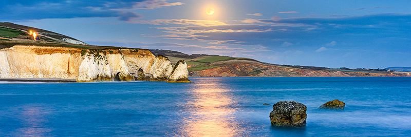 1813 Moonrise Freshwater Bay - Freshwater & Tennyson Down panoramics