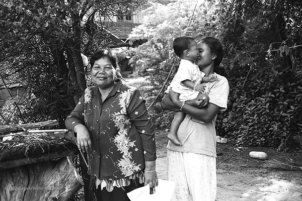 604 - Thai Country People