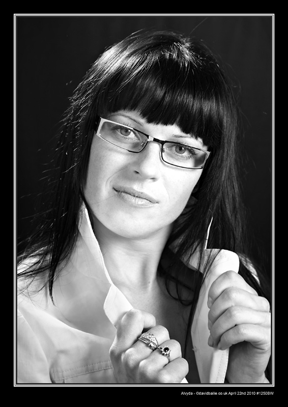 100422-Alvyda-1250-WhiteGlass-BW - Portraits