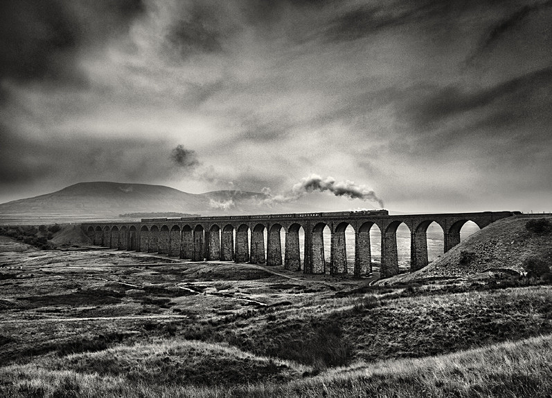 Oliver cromwell train over ribblehead