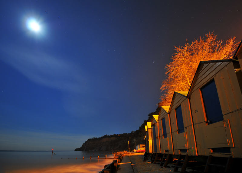 z1294 Shanklin Beach Huts by Moonlight - Sandown, Shanklin, Luccombe and Wroxall