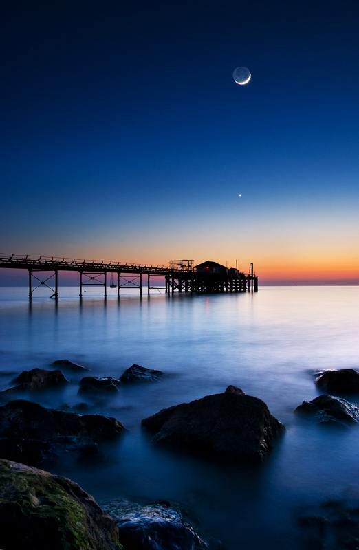 z1823 Totland Pier at Dusk - Freshwater Bay to Colwell Bay