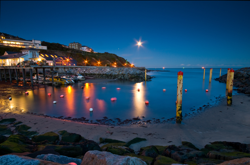 z1765 The Moon and Mars Rising over Ventnor Harbour - Ventnor to St Catherine's inc Bonchurch & Whitwell