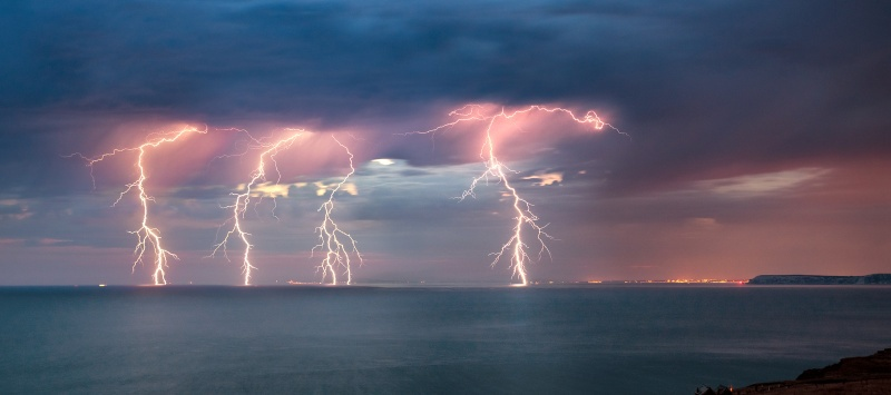 z2764 Approaching Storm off Brighstone - The Lightning Gallery
