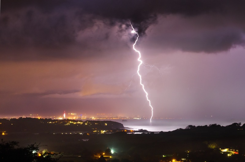 z2290 Storm over the Solent - The Lightning Gallery