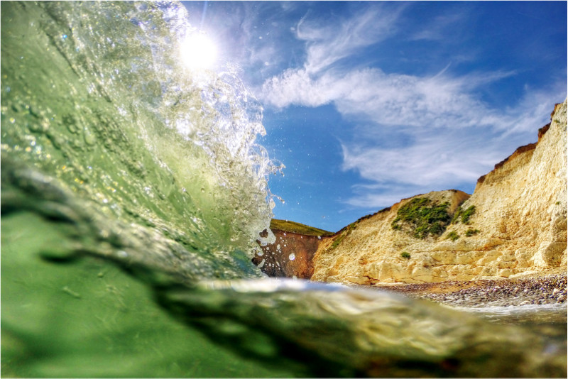 w018 Summer Surf, Watcombe Bay - The Wave Gallery