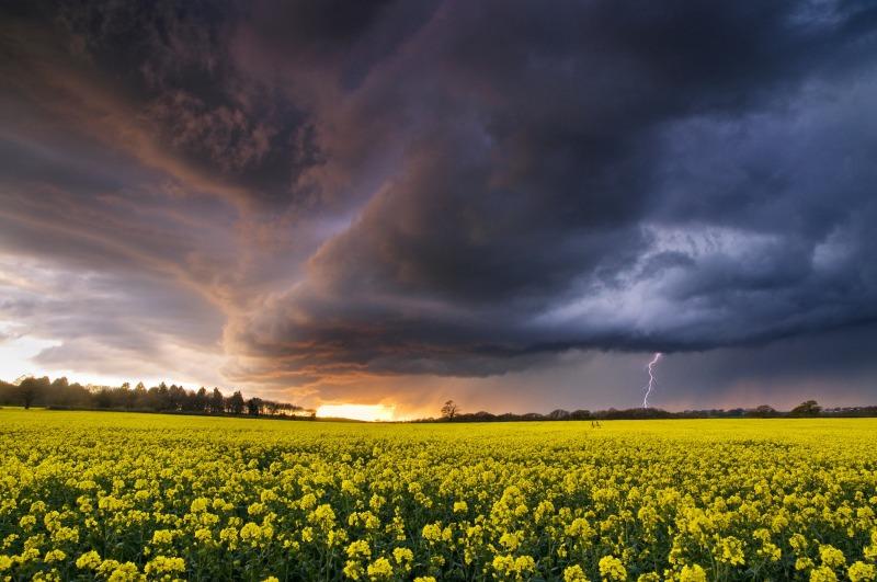 z2077 Evening Storm over Ashey - The Lightning Gallery