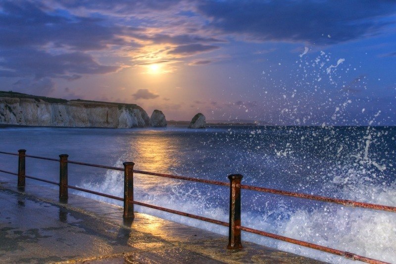 z2489 Midnight Swell under Moonlight, Freshwater Bay - Freshwater Bay to Colwell Bay