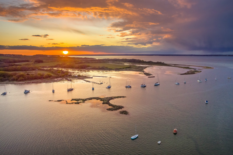 z2907 Overlooking Newtown Creek at Sunset - Yarmouth to West Cowes