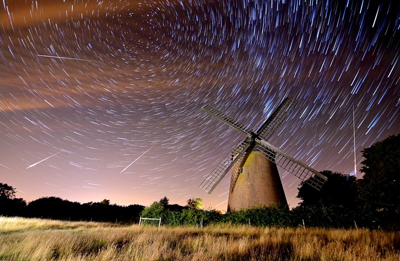 z2246 Perseid Meteor Shower over Bembridge Windmill - Seaview to Bembridge, Whitecliff Bay and Brading