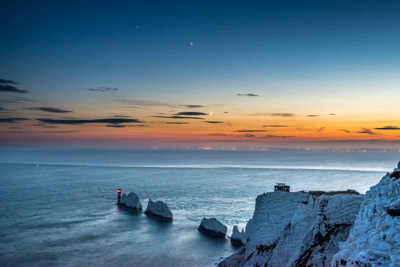z2792 Moon Venus and Jupiter over The Needles - Freshwater Bay to Colwell Bay