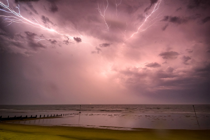 z3087 Anvil Crawler Lightning, Sandown Bay - Latest Photos