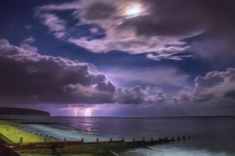 z2552 Moonlit Storm, Sandown Bay - The Lightning Gallery