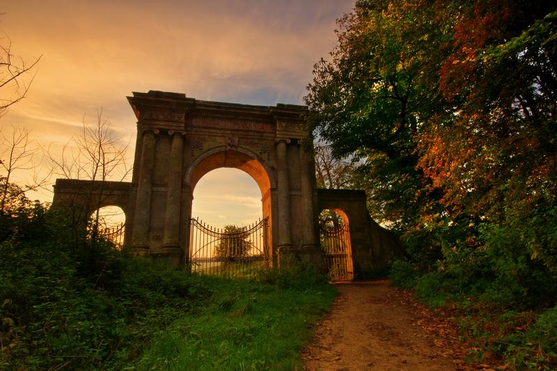 z1428 Sunrise, Freemantle Gate - The Inner Island inc Newport & Godshill
