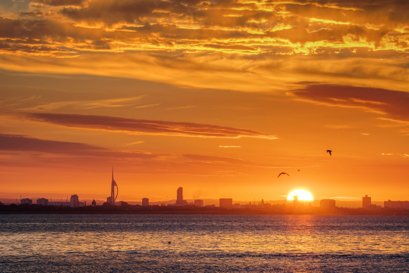 z3074 Sunrise over Portsmouth and the Solent - Latest Photos