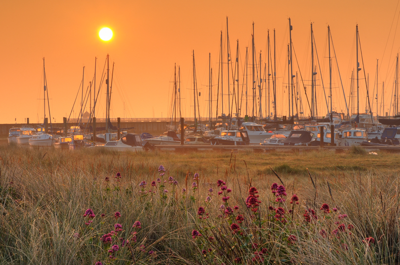 z1852 Sunrise over Norton Spit, Yarmouth - Yarmouth to West Cowes
