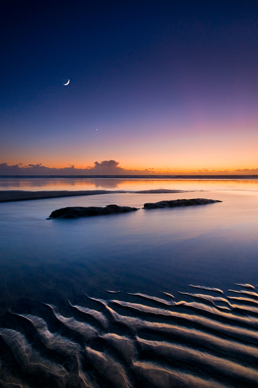z2054 Moon and Venus over Compton Bay - Blackgang to Compton inc West Wight