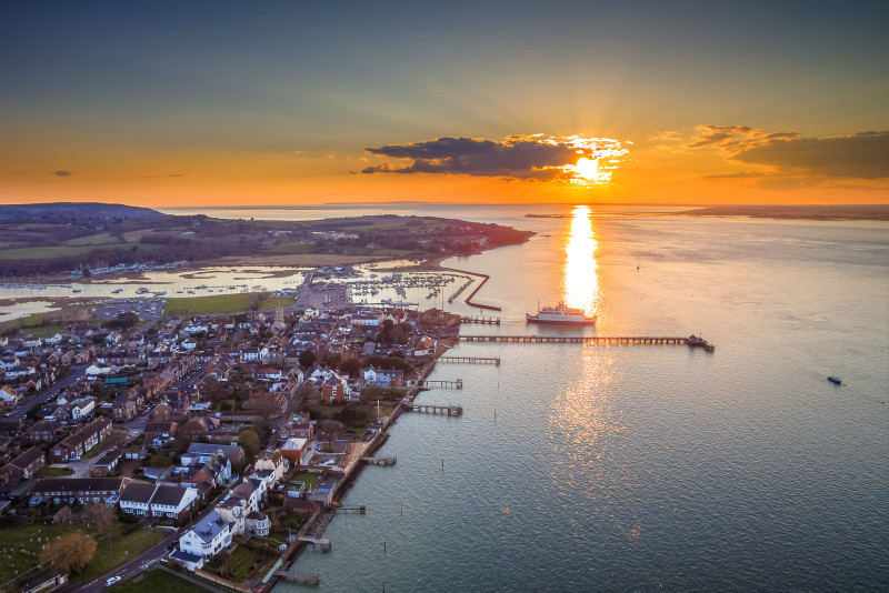 z2896 Sunset over Yarmouth - Yarmouth to West Cowes