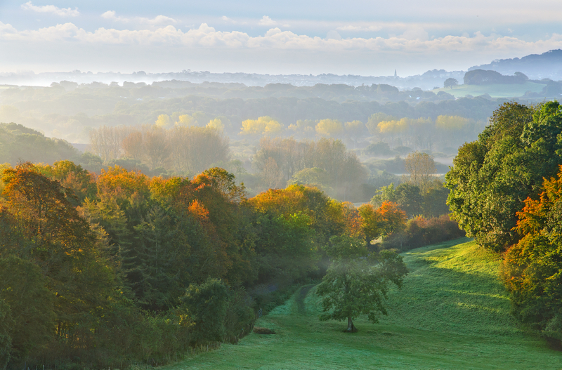 z2140 An Autumn Mood, Knighton and Beyond - The Inner Island inc Newport & Godshill
