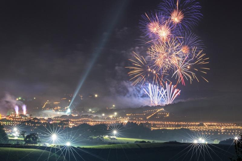 z2501 Bestival Fireworks Ashey Down - The Inner Island inc Newport & Godshill