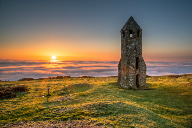 z3029 Sunset at the Oratory, St Catherines Down - Blackgang to Compton inc West Wight