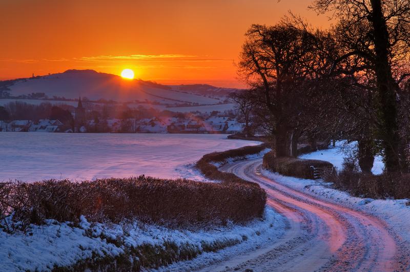 z1742 A Winter Sunrise, Brading - Seaview to Bembridge, Whitecliff Bay and Brading
