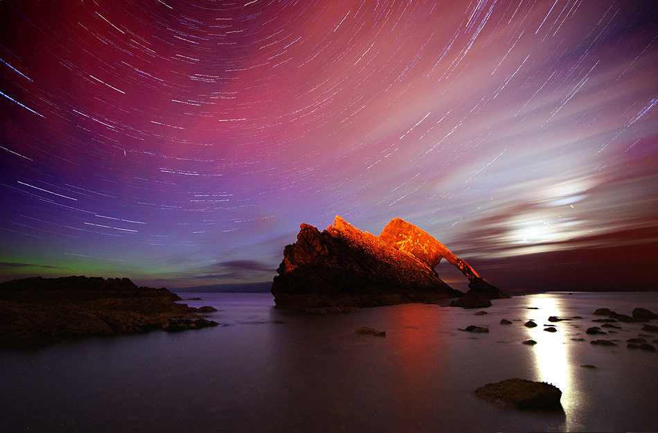 Bow Fiddle star trail and moon rise - Aurora borealis in Scotland