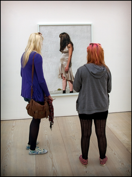 Blonde, brunette and redhead at the Saatchi - Picture Gallery