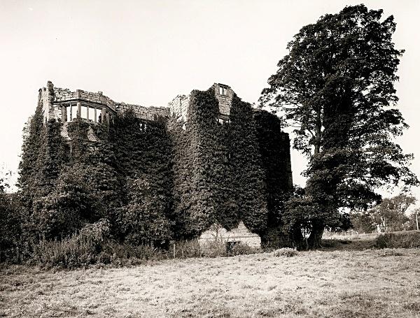 FOXHALL NEWYDD, Henllan, Denbighshire 1997 - DENBIGHSHIRE